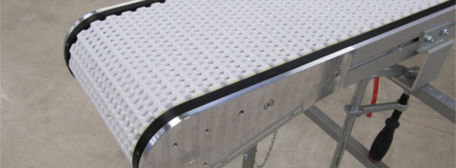 Modular belt for transporting food or other bakery products in production
