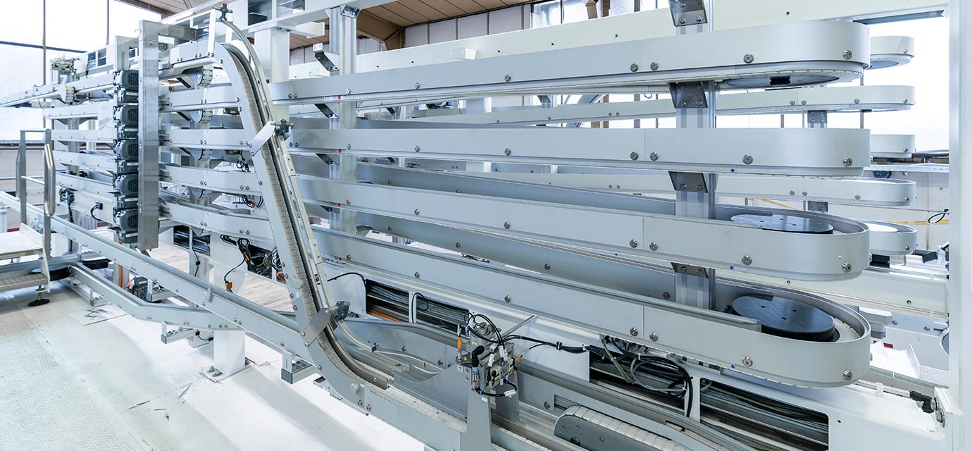 Alpine conveyor - chain conveyor system by modular automation