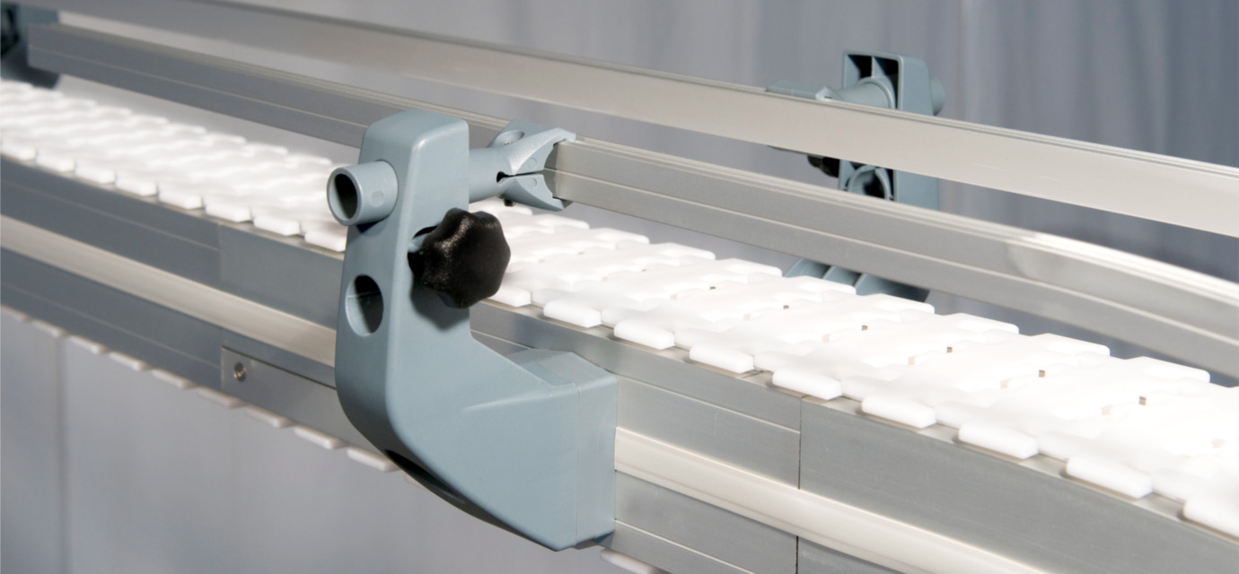Aluminium side rails for chain conveyor systems