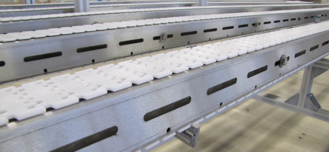 Stainless steel chain conveyor system by modular automation