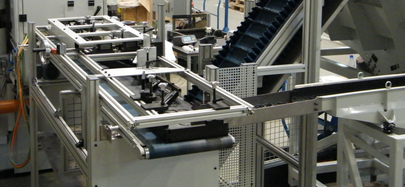 Belt conveyor system in action