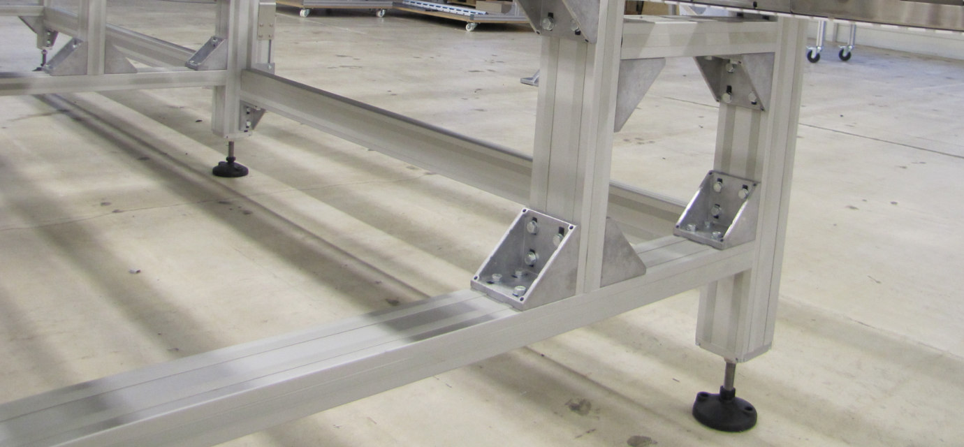 Portal supports for chain conveyor systems