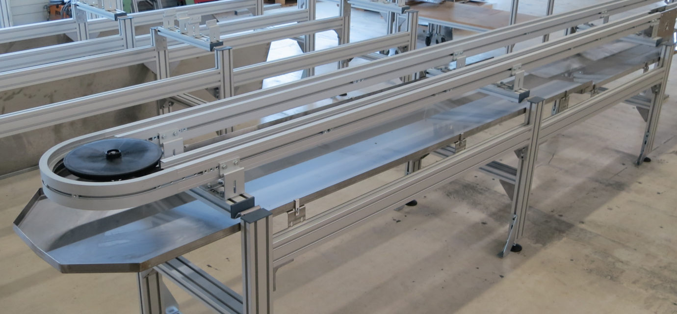 Drip channels for chain conveyor systems