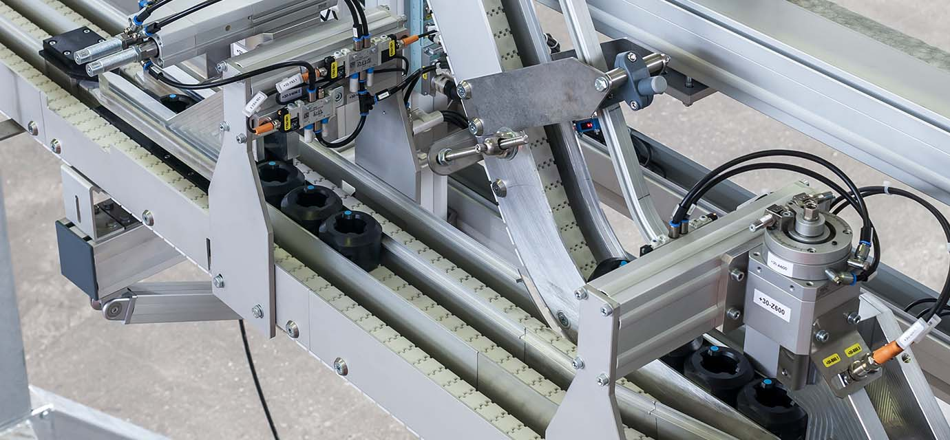 Pucks - Plastic Product Carriers - Puck Handling Conveyor Technology from modular automation